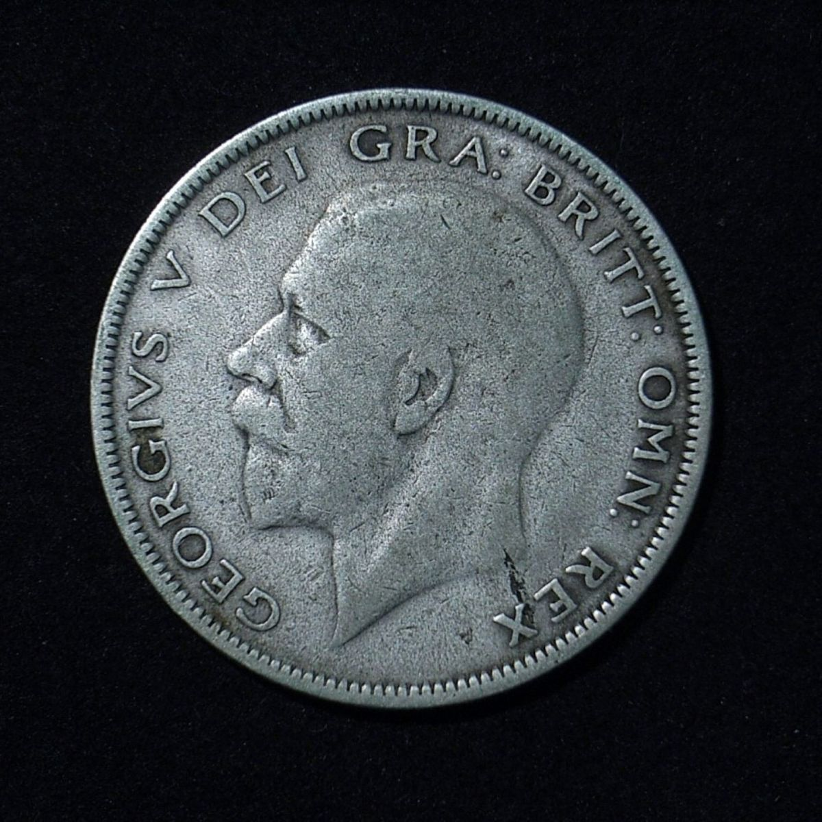 UK Half Crown 1930 obverse close up showing level of detail on the coin