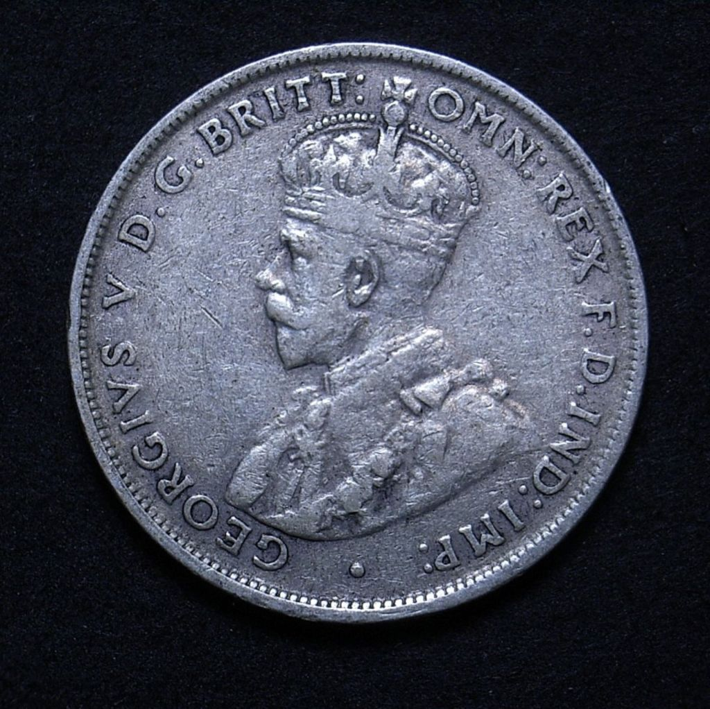 Close up Aussie 1927 florin obverse showing coin details, including 6 clearly separated pearls in the crown