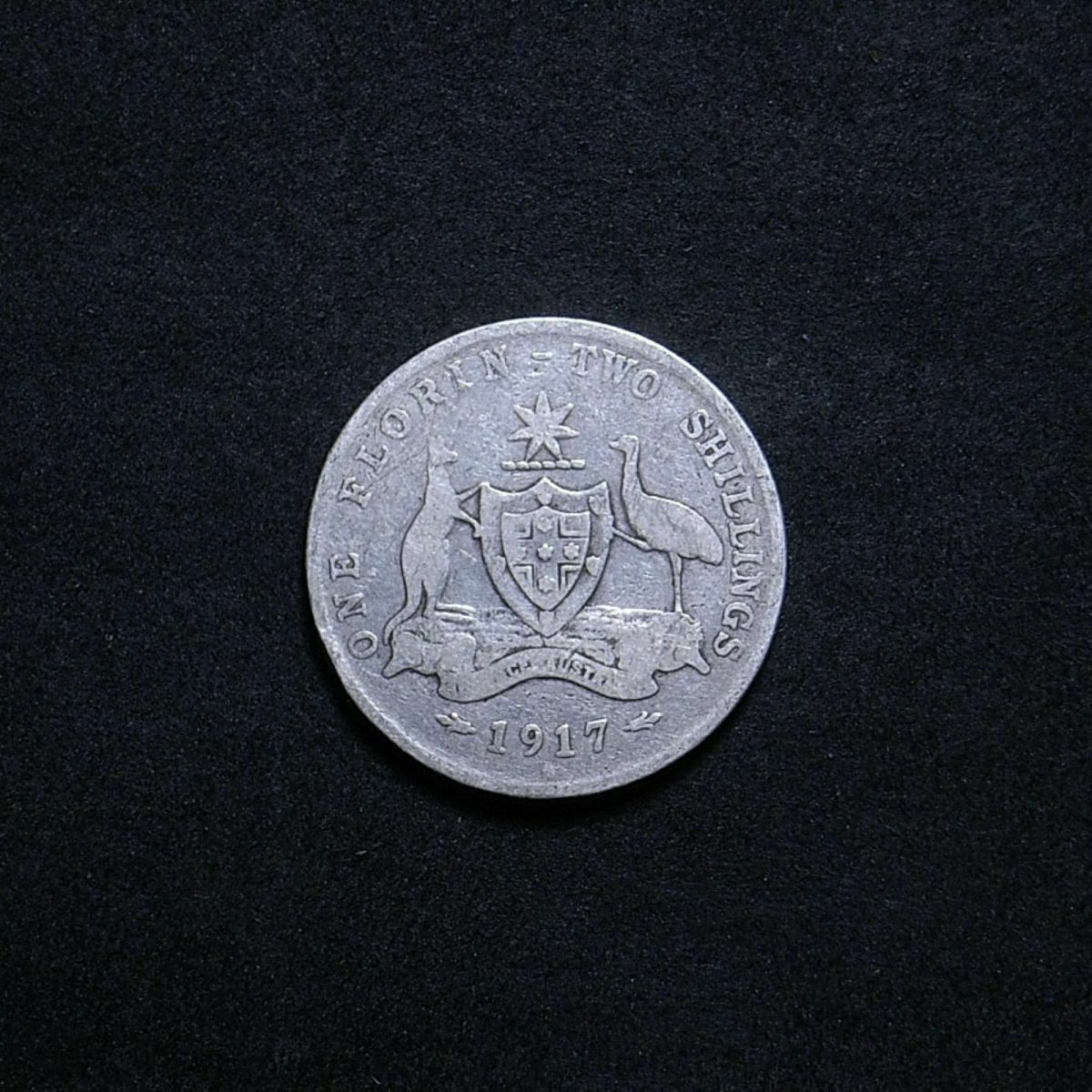 Aussie 1917M reverse showing the extent of wear on the coin