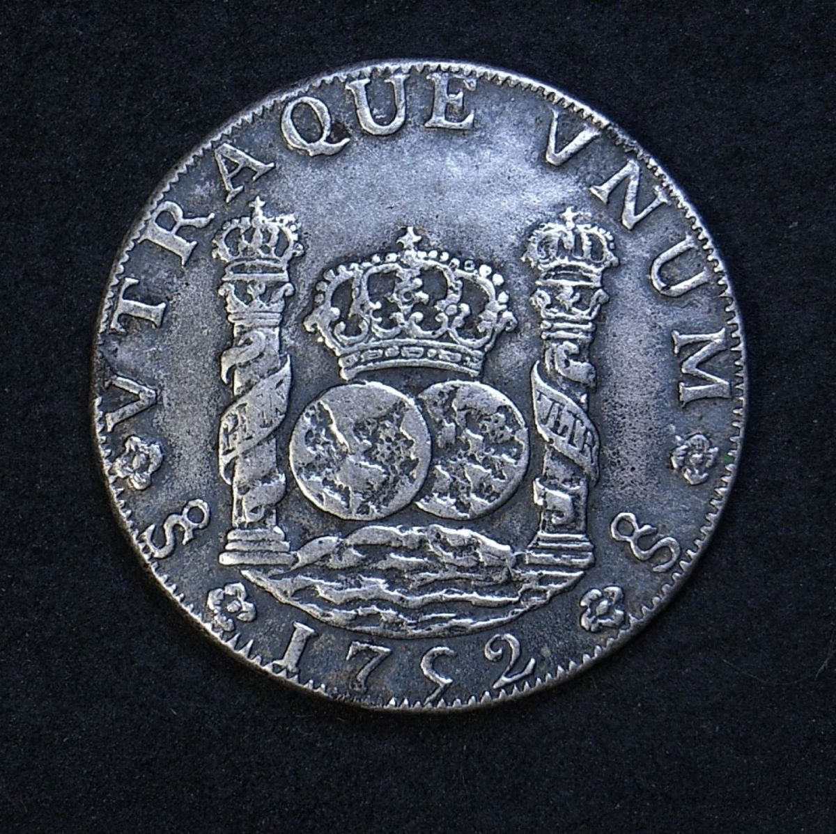 Contemporary counterfeit 8 Reales 1752 date side showing santiago mintmark