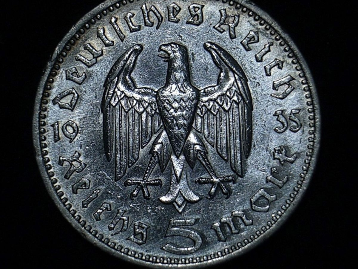German 5 marks 1935F reverse close up showing the coin's detail