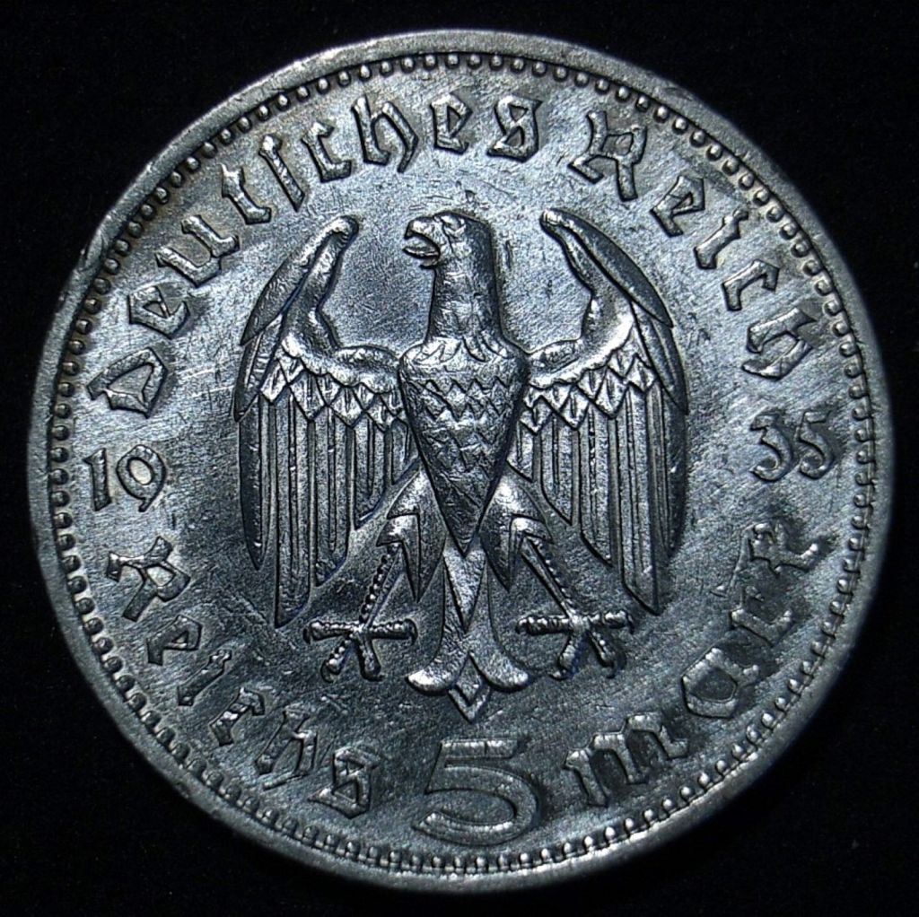 German 5 marks 1935F reverse close up, different light angle showing the coin's detail