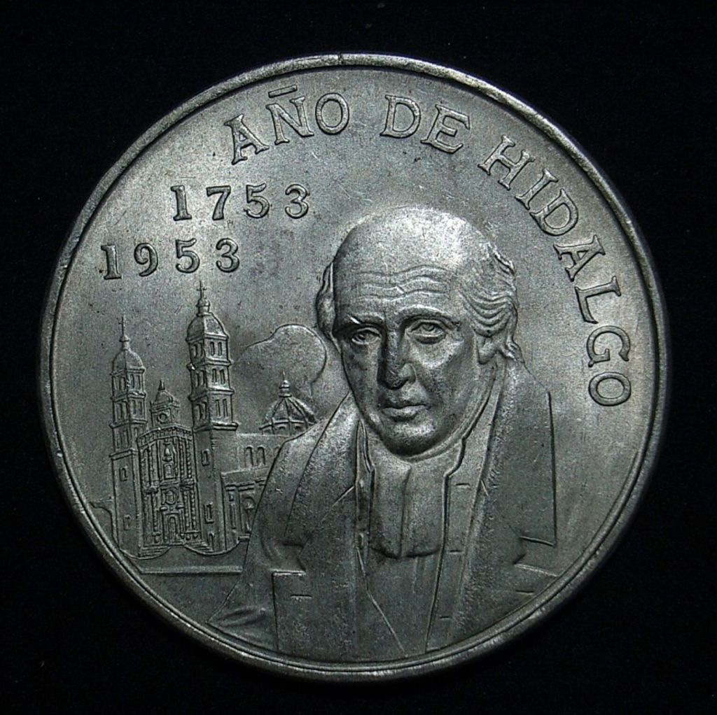 Close up of 1953 Mexican 5 peso obverse highlighting the coin's detail