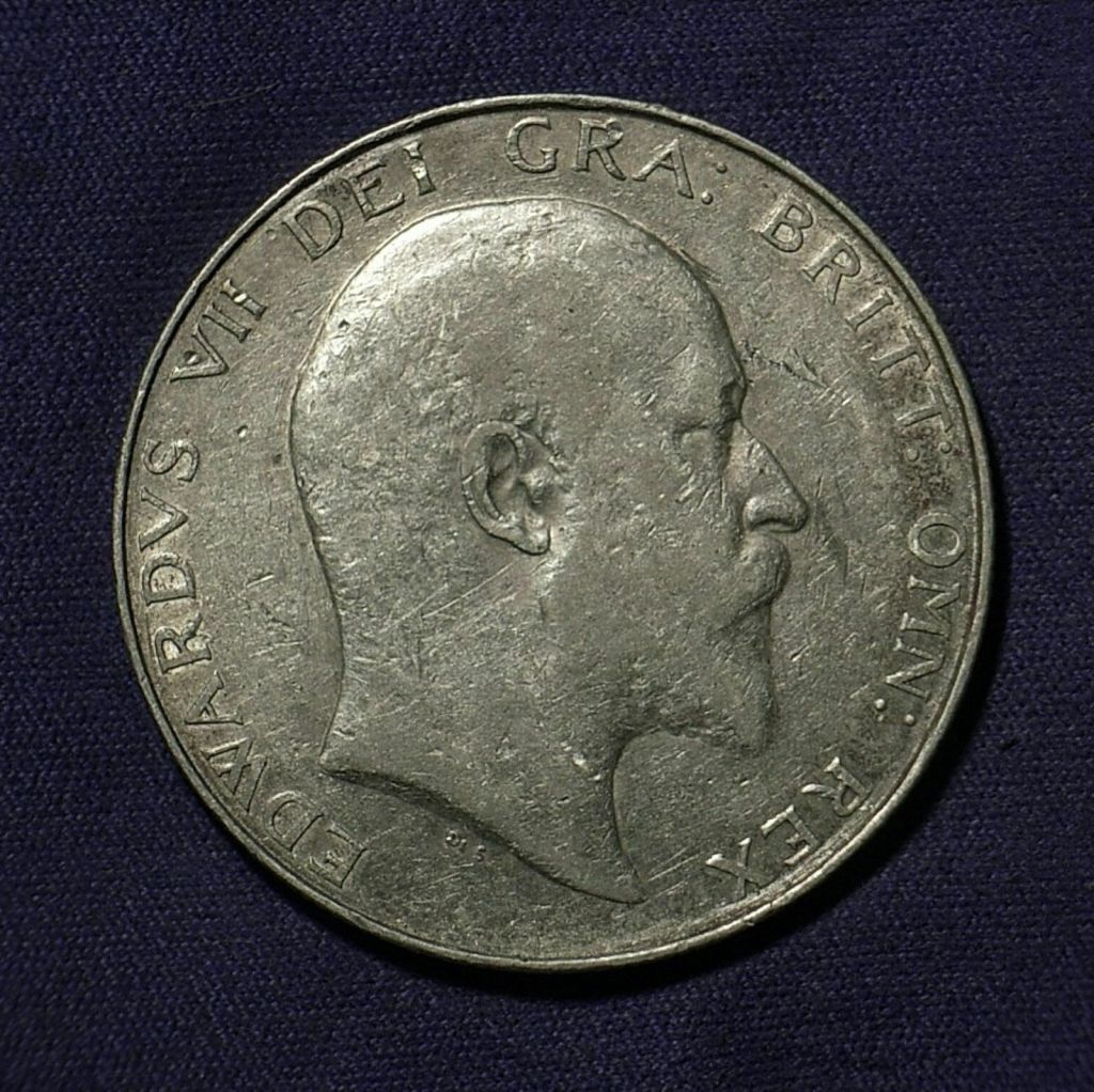 Close up of 1908 UK Half Crown obverse showing the coin's detail under a different light angle