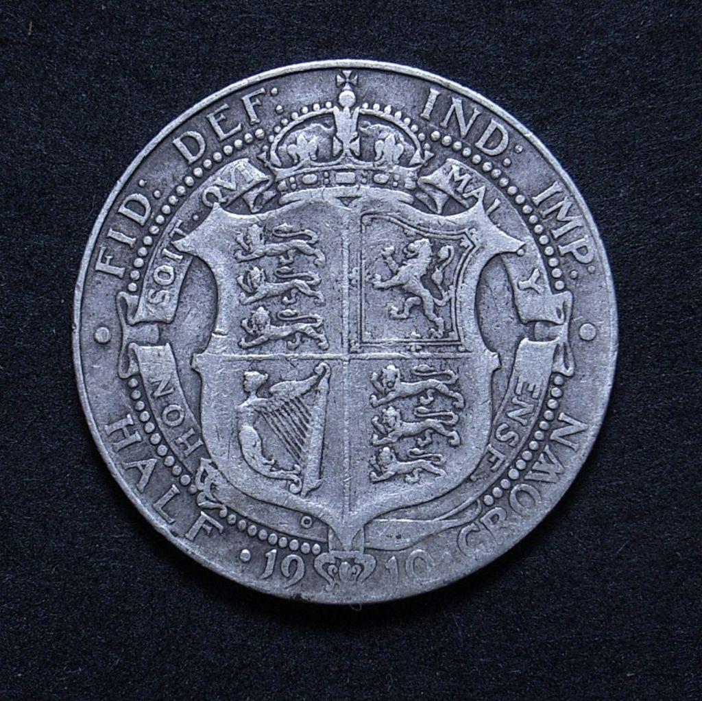 Close up UK Half Crown 1910 reverse showing detail