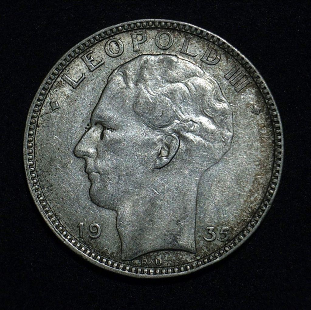 Close up 3 Belgium 20 Francs 1935 obverse