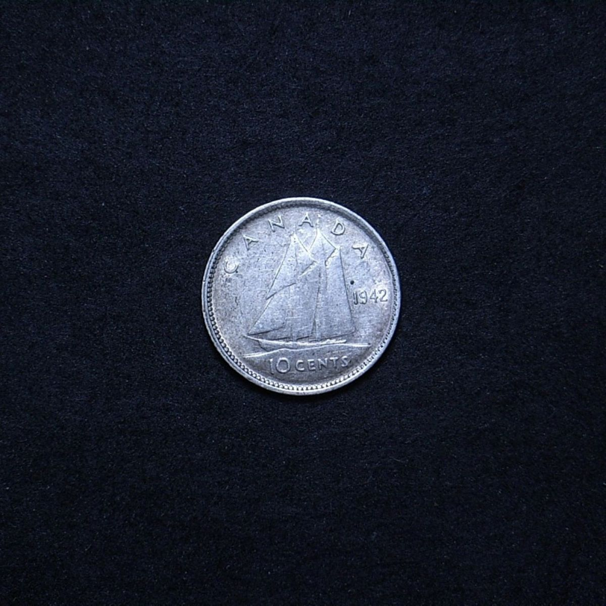 Canada 10 cents 1942 reverse showing overall appearance