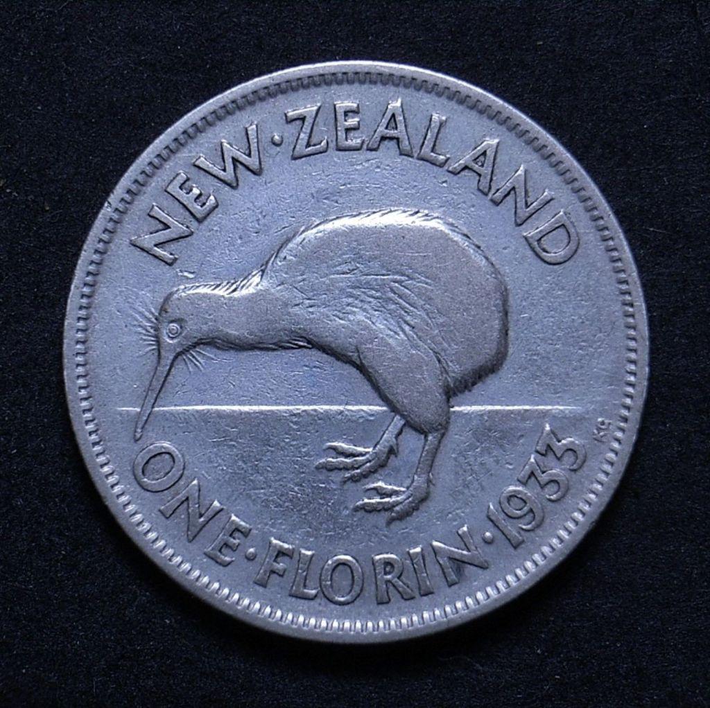 Close up NZ 1933 florin reverse showing detail