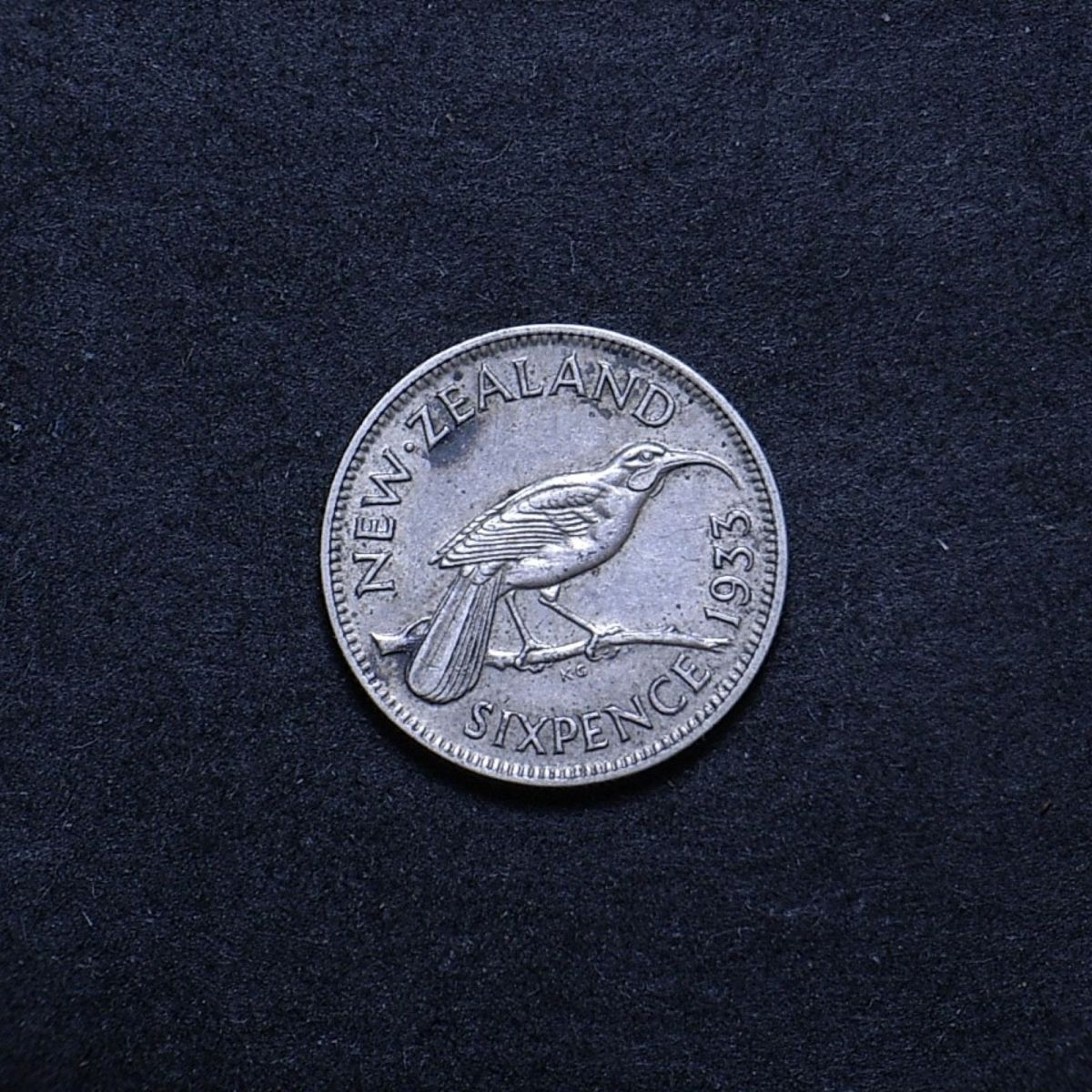 NZ 6d 1933 reverse showing overall appearance