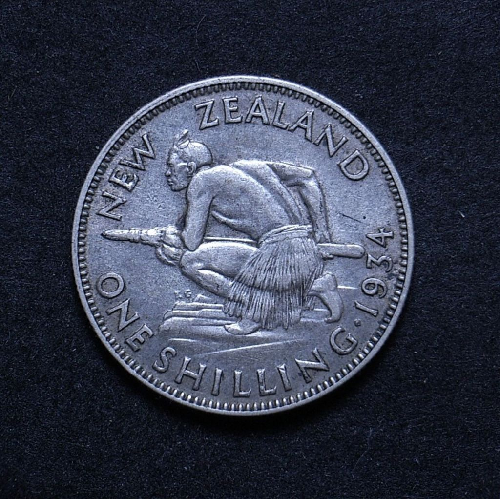 Close up NZ Shilling 1934 reverse showing detail