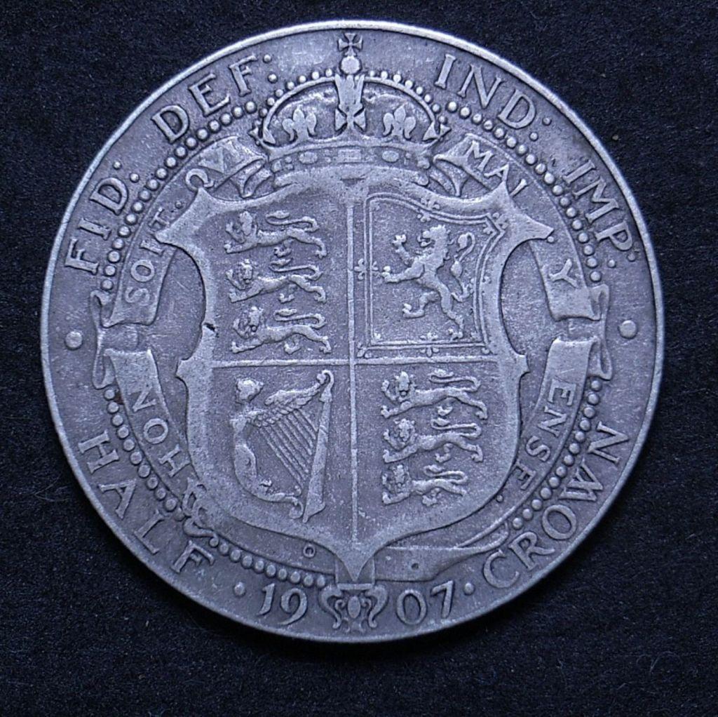 Close up UK Half Crown 1907 reverse showing detail