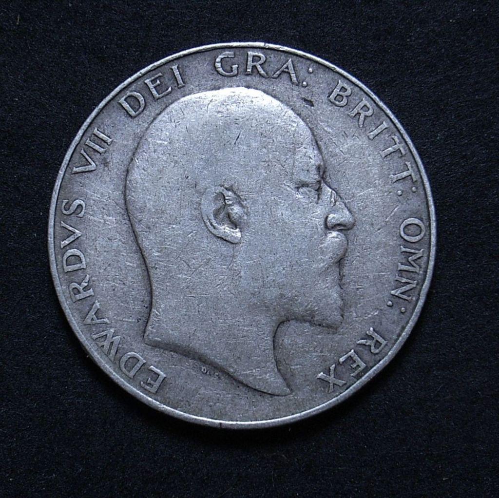 Close up UK Half Crown 1910 obverse showing detail