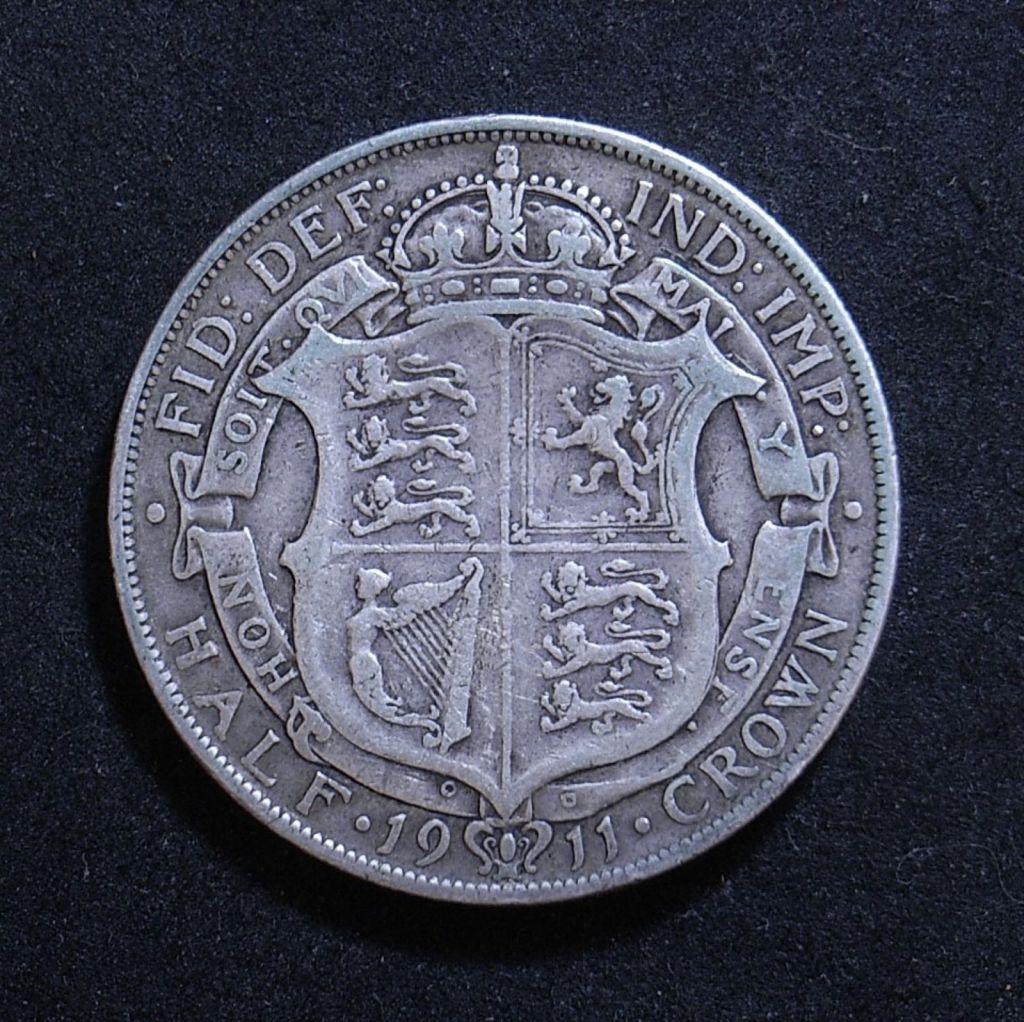 Close up UK Half Crown 1911 reverse showing detail