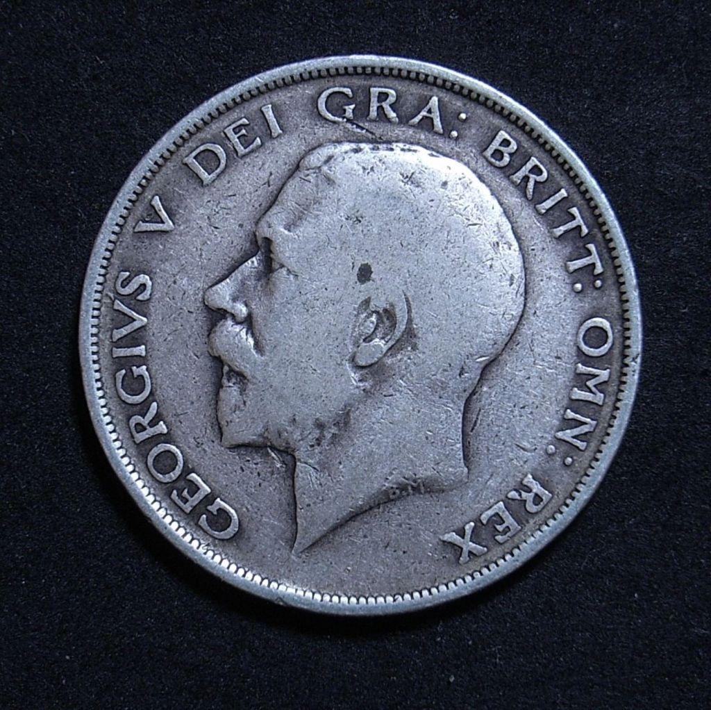 Close up UK Half Crown 1913 obverse showing detail