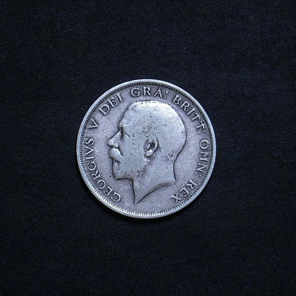 UK Half Crown 1914 obverse showing overall appearance