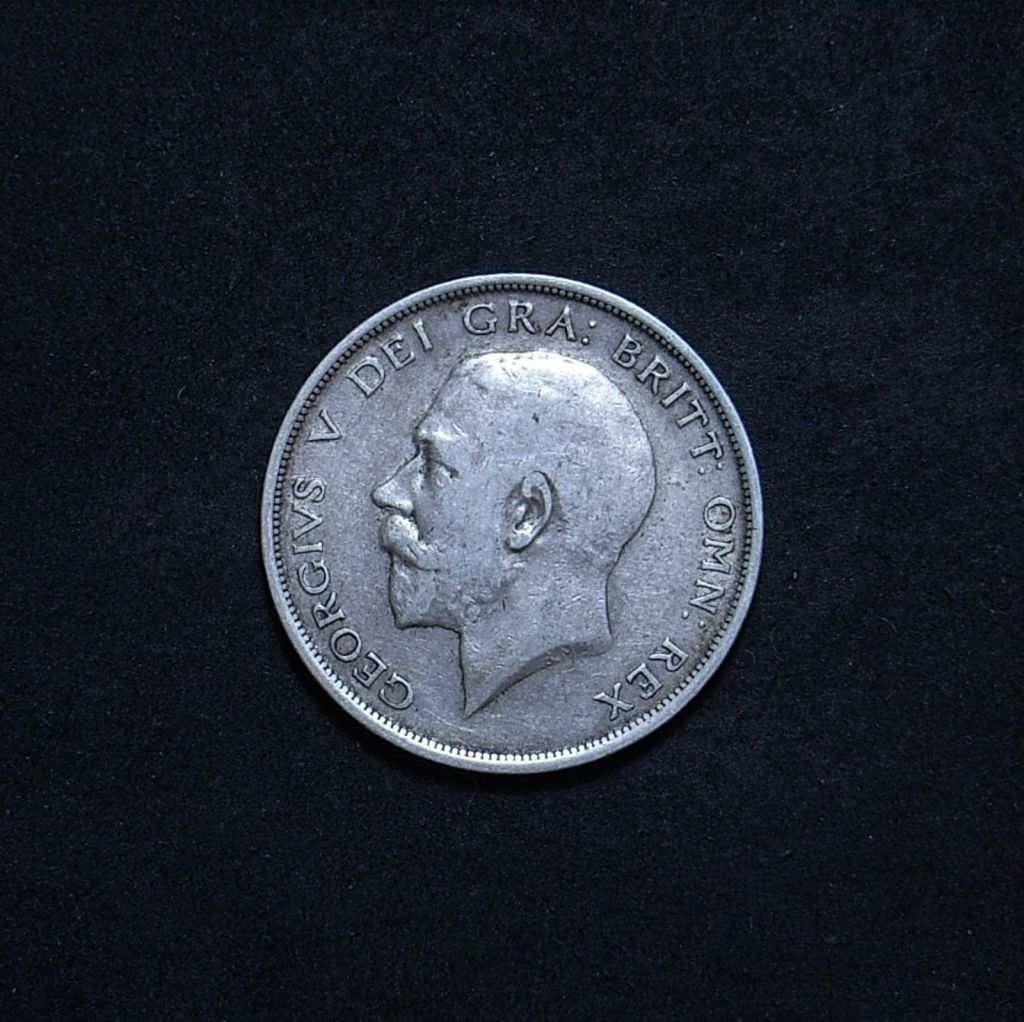 UK Half Crown 1915 obverse showing overall appearance
