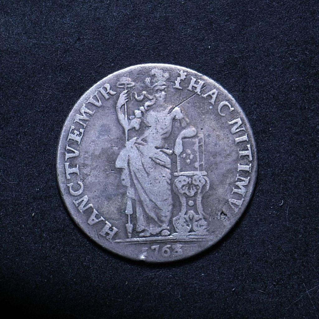Close up 1763 Dutch Guilder obverse