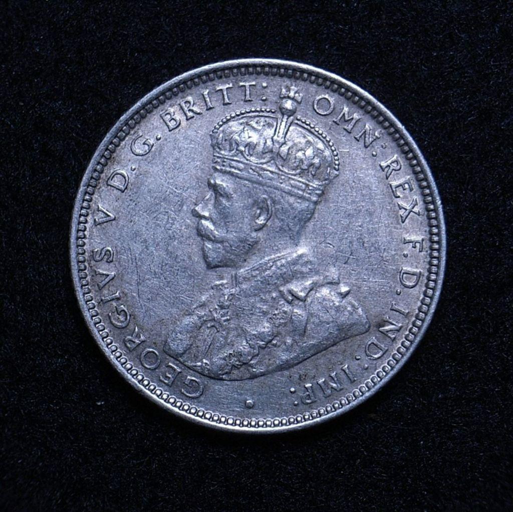 Close up Aus Shilling 1926 obverse showing detail