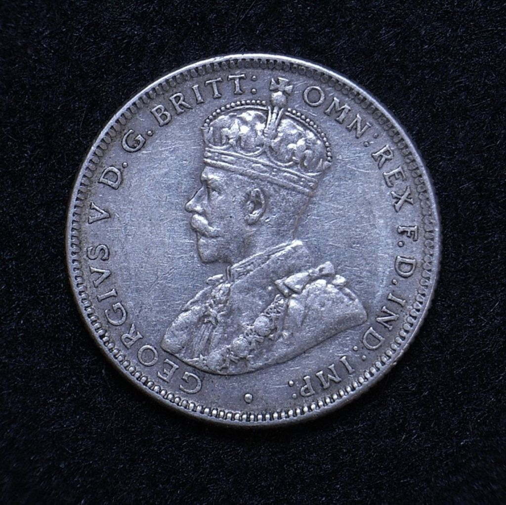 Close up Aus Shilling 1931 obverse showing detail