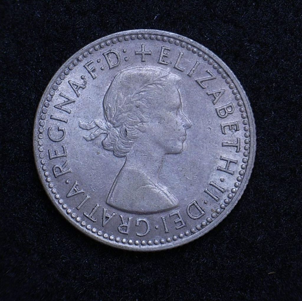 Close up Aus shilling 1959 obverse showing detail