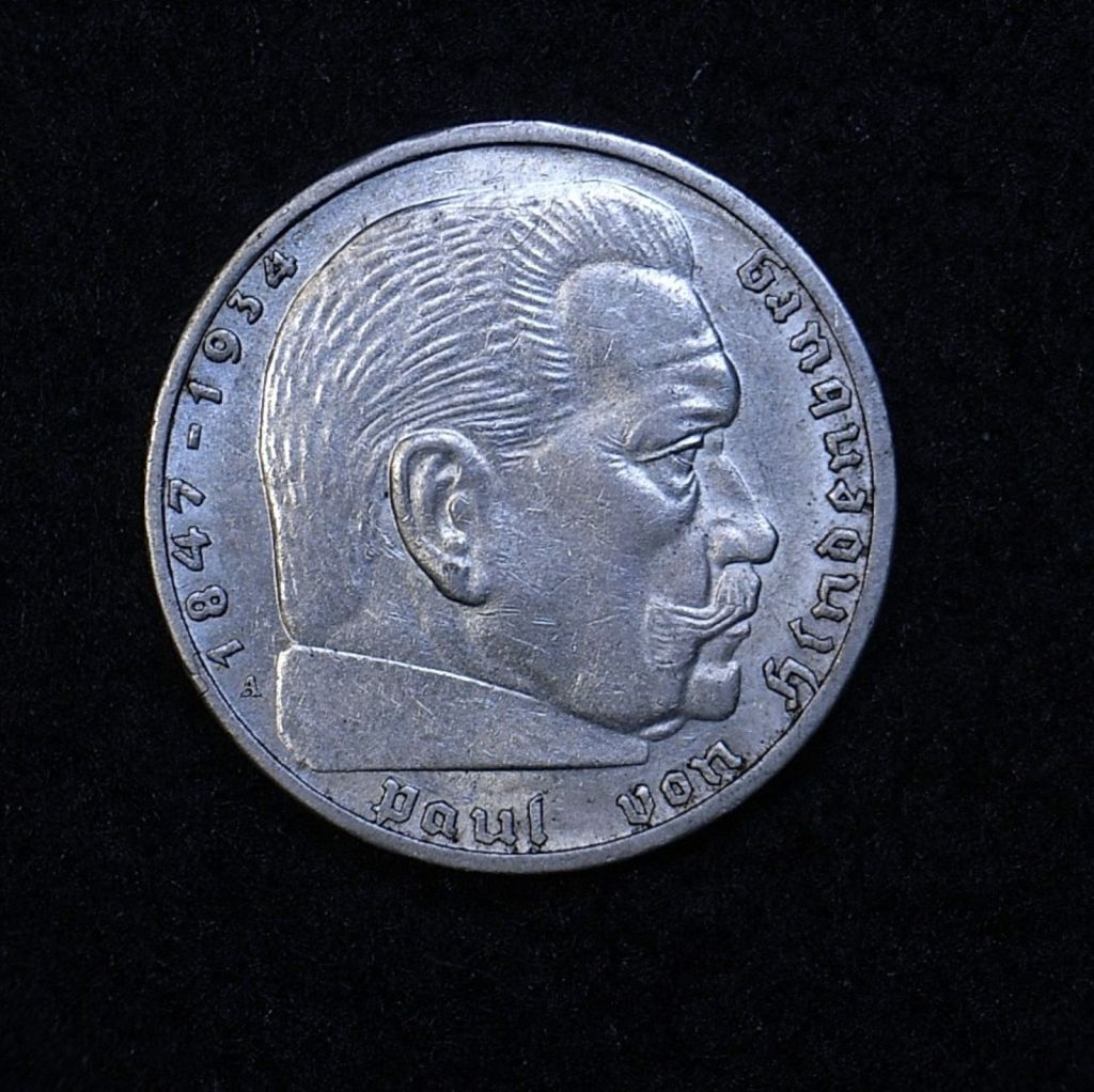 Close up Germany 2 Reichsmarks 1939A obversee