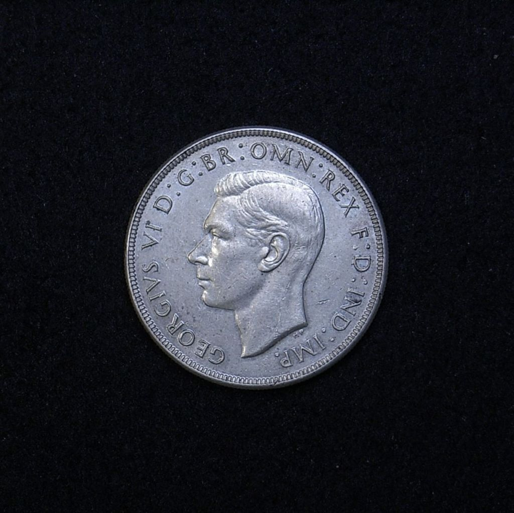 Aus Crown 1938 obverse showing overall appearance