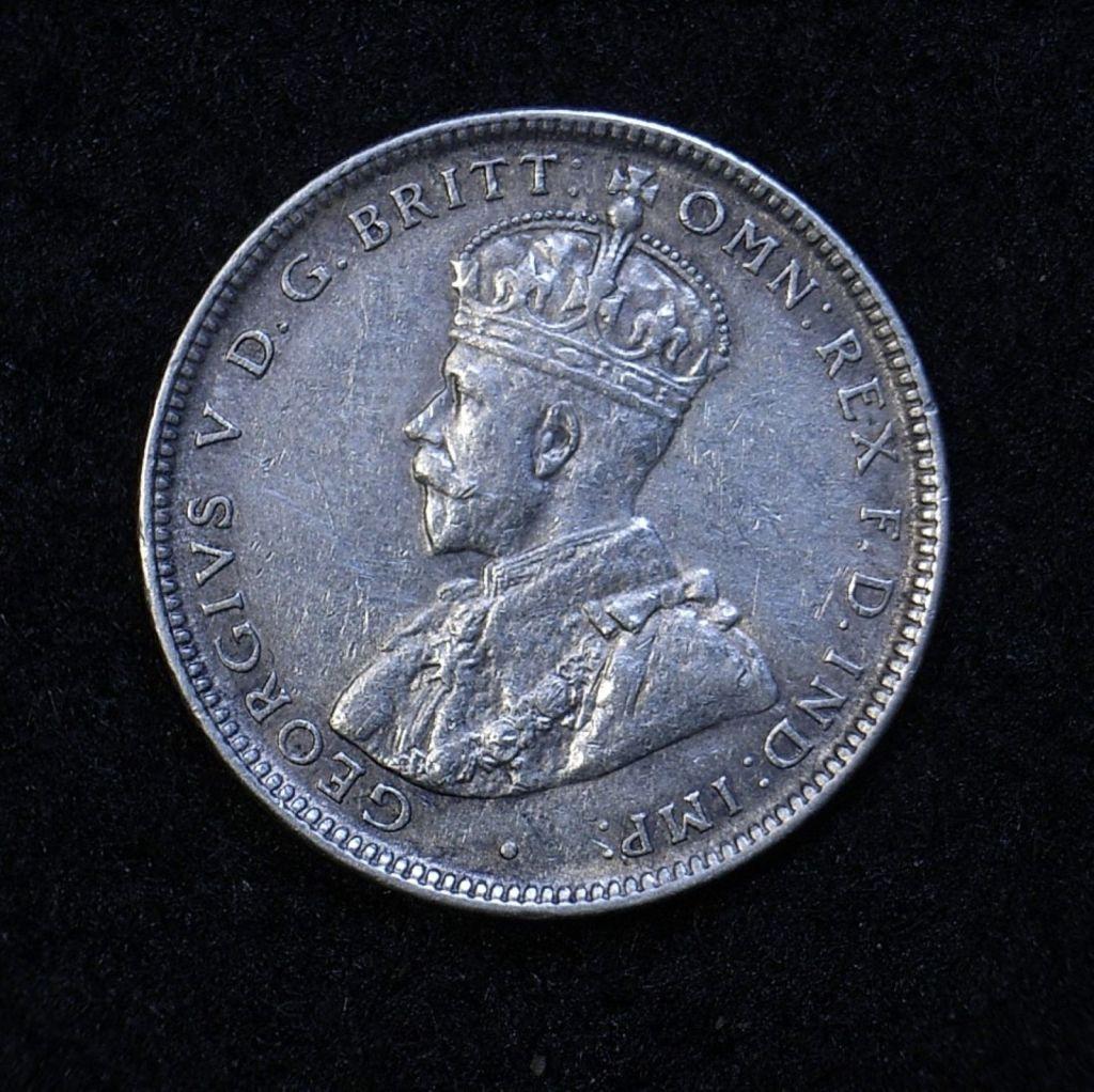 Close up Aus Shilling 1918M obverse showing detail
