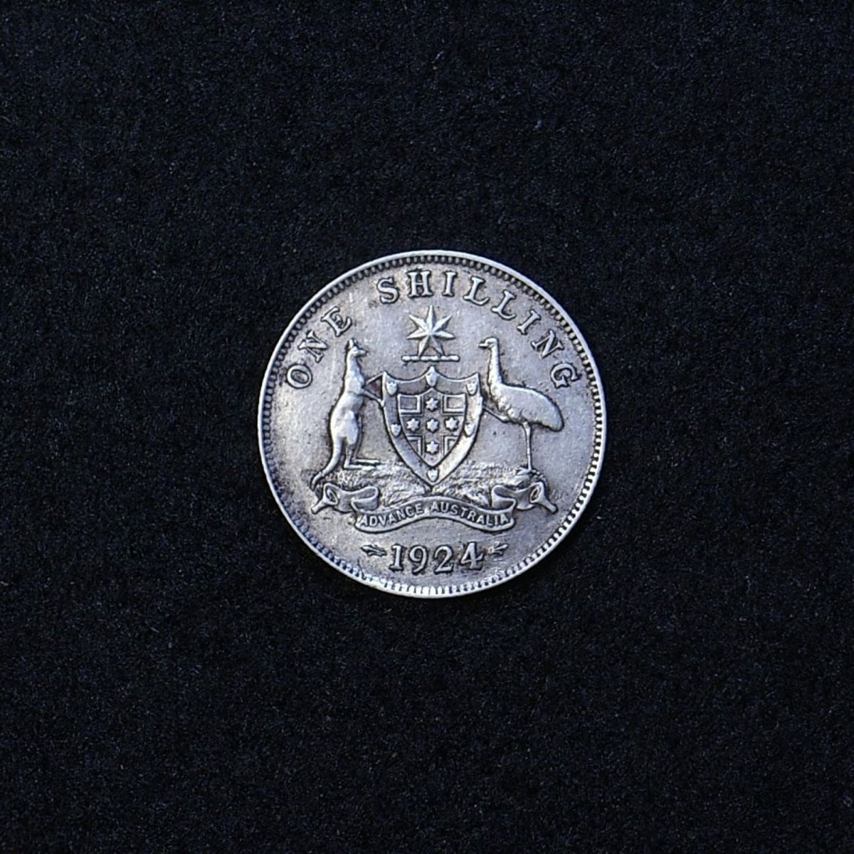 Aus Shilling 1924 reverse showing overall appearance