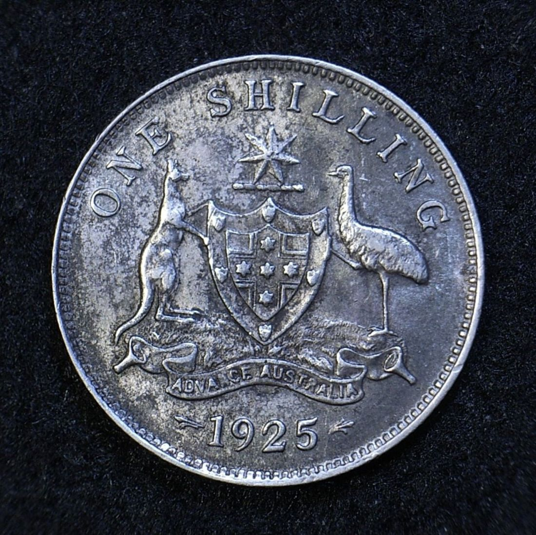 Close up Aus Shilling 1925 reverse